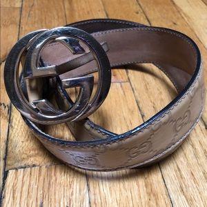 cac661e0de6 Women s Gucci Belts